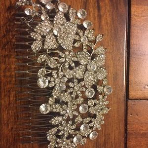 Large rhinestone comb for hair